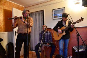 Band spielt live am Jubiläum im Ristorante Canal Grande